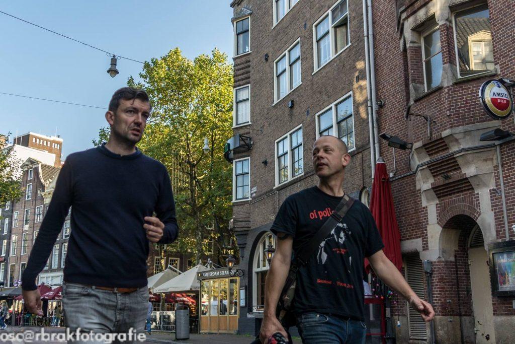 in gesprek met Dennis ::: foto: Oscar Brak